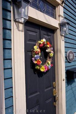 Bild Tür Blumenkranz St John S Haus